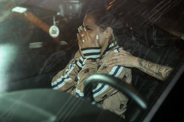 Deolane Bezerra, viúva de MC Kevin, deixa delegacia (Foto: Roberto Filho/Brazil News)