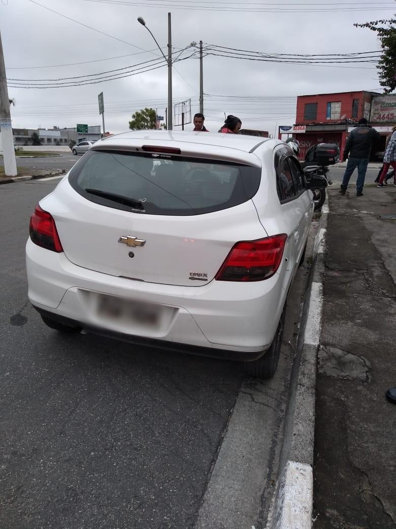 Adolescente suspeito de roubo a veículo é apreendido em Itaquaquecetuba - Notícias - Plantão Diário