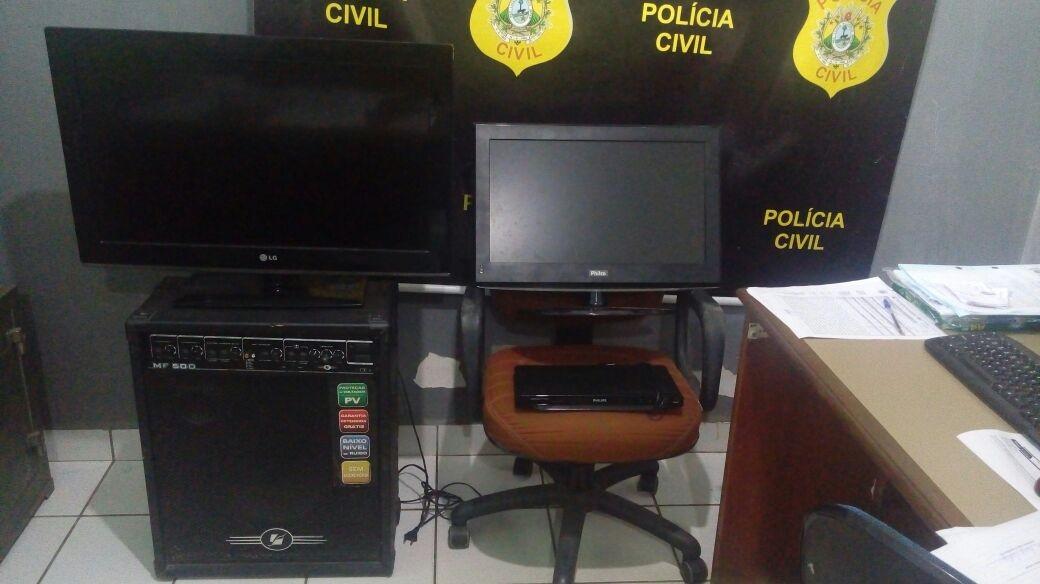 Três são presos e um menor apreendido por furto em escola de Mâncio Lima