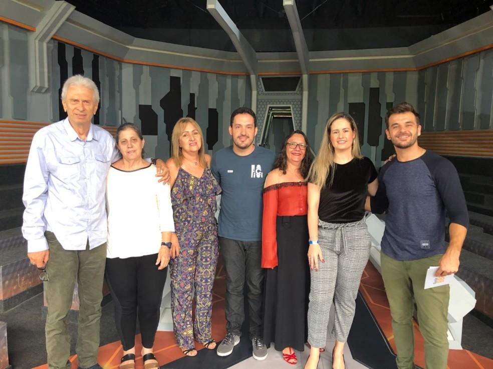Familiares dos emparedados participam do Boletim BBB (Foto: Maíra Rubim/Gshow)