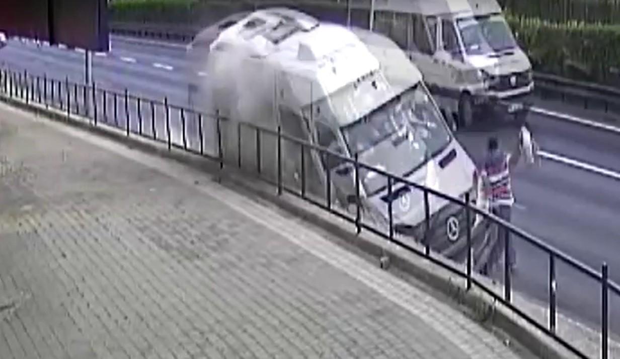 Homem escapa de atropelamento na Turquia; veja VÍDEO