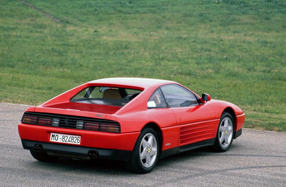 A 348 foi ofendida pelo próprio presidente da Ferrari, Luca di Montezemolo — Foto: Divulgação