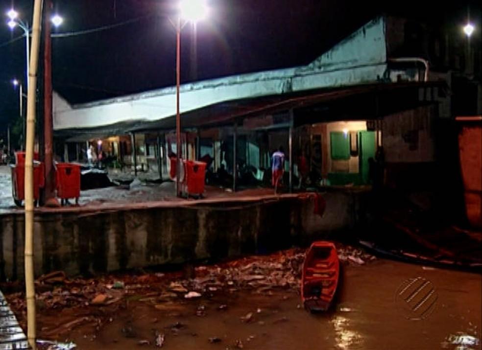Usuários denunciam precariedade de portos em Belém. (Foto: Reprodução/TV Liberal)