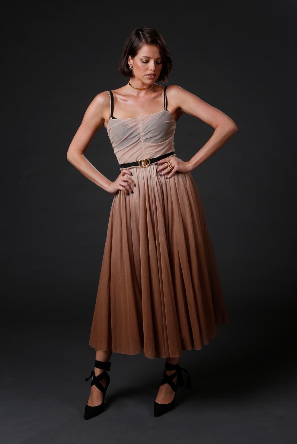 Agatha Moreira escolheu um vestido longo com transparência — Foto: Fabiano Battaglin/Gshow