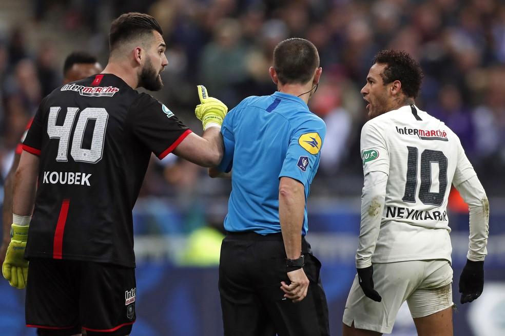 fdf3814ac592 Neymar corre risco de ser suspenso de três a oito jogos na França ...