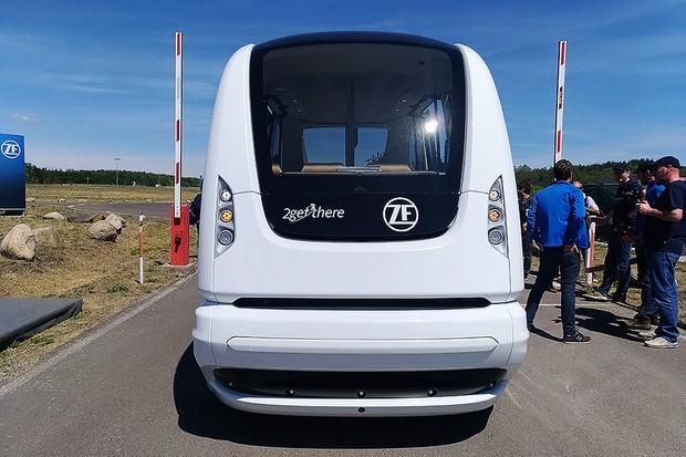 Veículo autônomo de nível 5 da ZF circula em torno do próprio eixo e pode atingir 60 km/h (Foto: Alexandre Izo / Autoesporte)