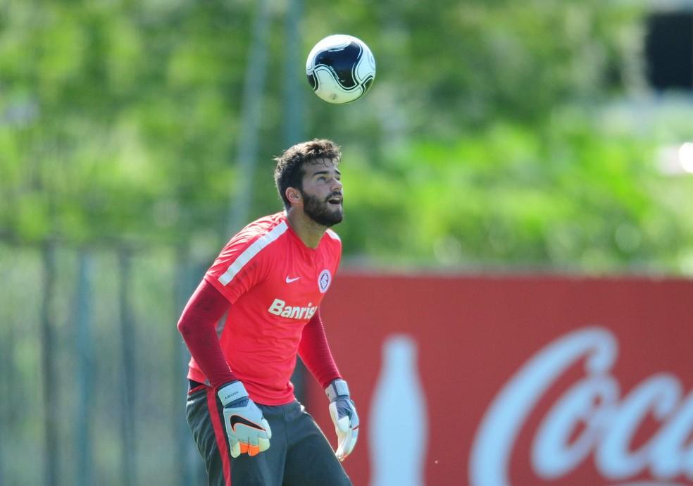 Alisson foi revelado no Internacional antes de transferir para a Roma (Foto: Ricardo Duarte/Divulgação Inter)