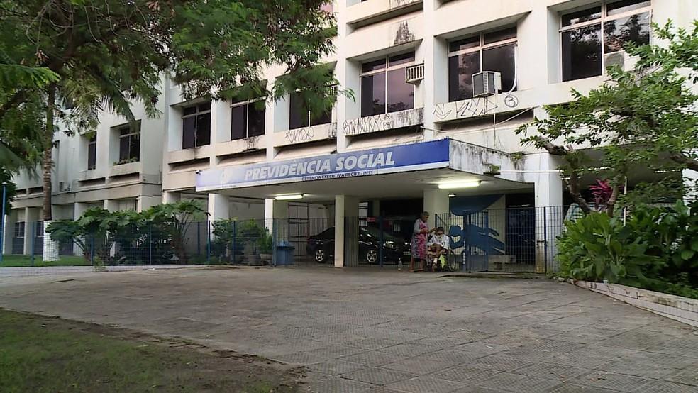 A sede do INSS fica na Avenida Mário Melo, nº 343, no bairro de Santo Amaro, na área central do Recife (Foto: Reprodução/TV Globo)