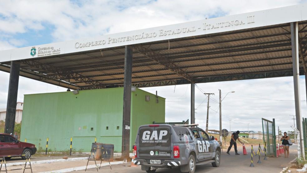 Agentes soltam preso por engano no Ceará — Foto: Cid Barbosa/SVM