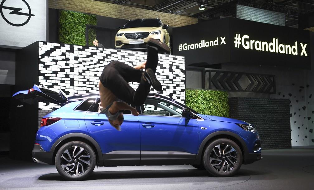 Opel Grandland X (Foto: Arne Dedert/dpa via AP)