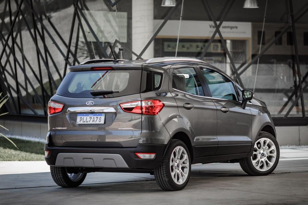 ford ecosport titanium  sem estepe na tampa traseira  lancado por   auto esporte