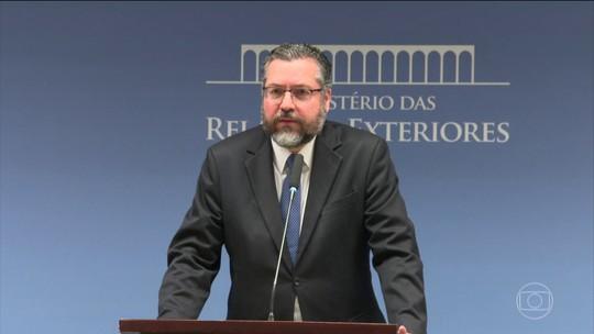 Ernesto Araújo diz que o Brasil tem total compromisso com o combate ao desmatamento