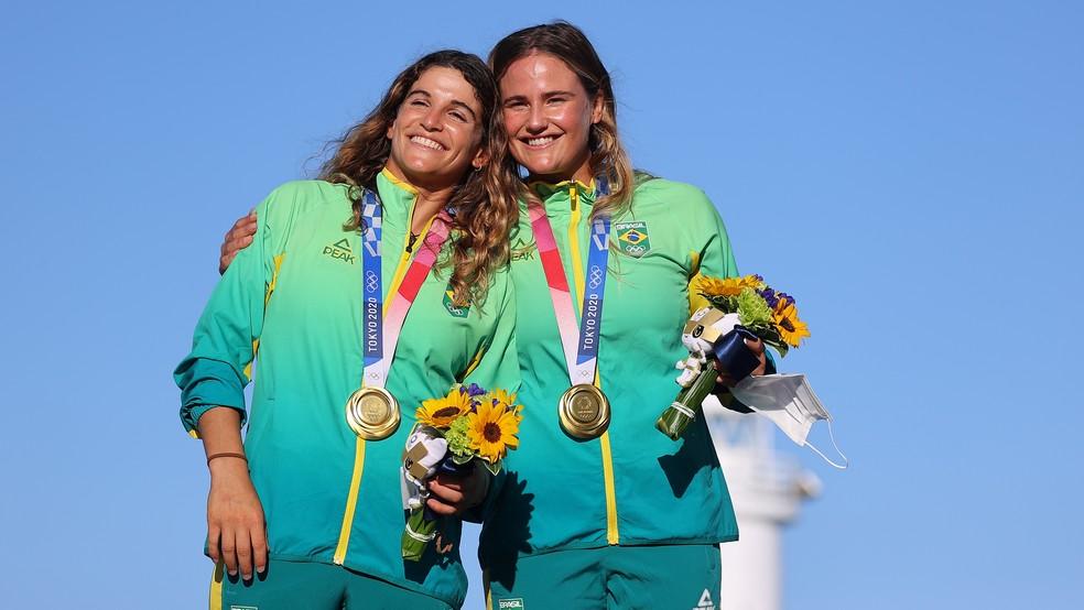 Martine Grael e Kahena Kunze medalha de ouro na vela — Foto: REUTERS