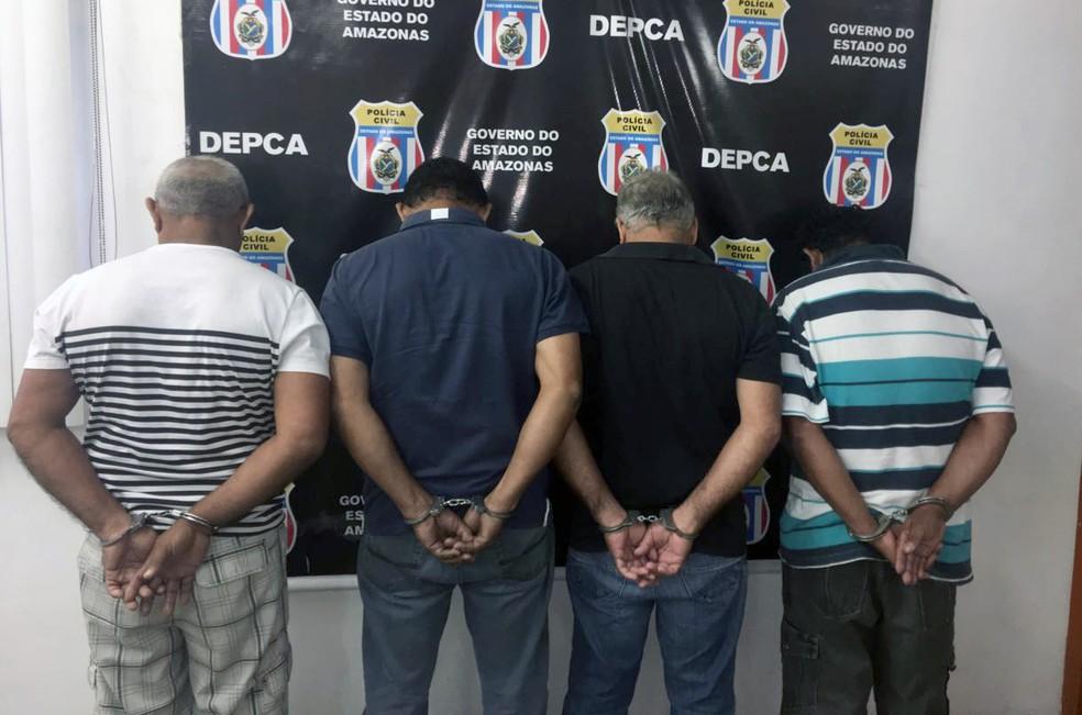 Suspeitos foram presos após cumprimento de mandado de prisão (Foto: Polícia Civil/Divulgação)