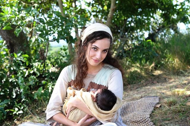Bruna Pazinato é a protagonista de 'Lia' (Foto: Munir Chatack/Record )