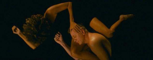 Halle Berry e Daniel Craig em 'Kings' (Foto: Dilvulgação)