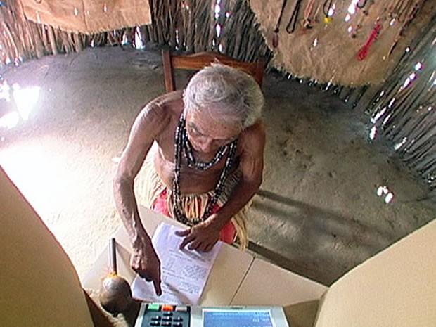 índio vota em Mato Grosso (Foto: Assessoria/TRE-MT)