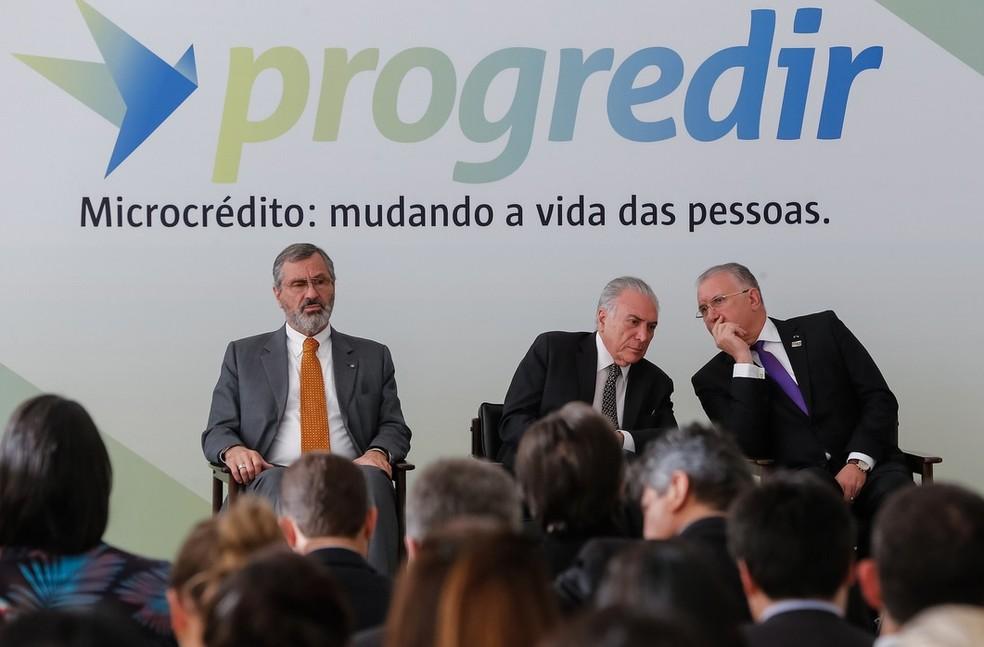 temer - Temer anuncia R$ 4 bilhões em microcrédito para famílias de baixa renda