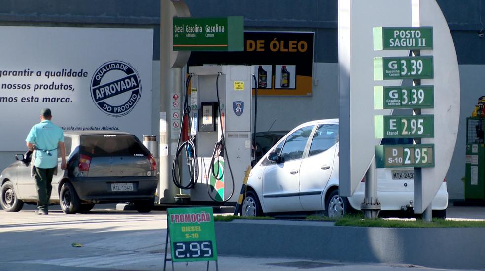 Gasolina em promoção em posto da avenida Vitória (Foto: Reprodução/ TV Gazeta)