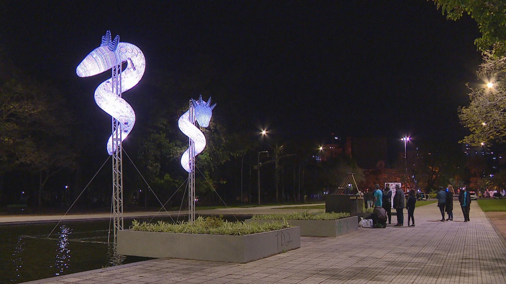 Obra indígena 'Entidades' é contraponto histórico no parque que homenageia a Revolução Farroupilha em Porto Alegre