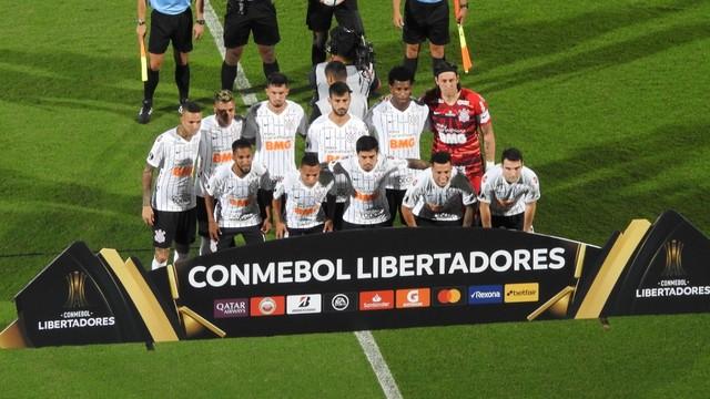 Time posado do Corinthians contra o Guaraní