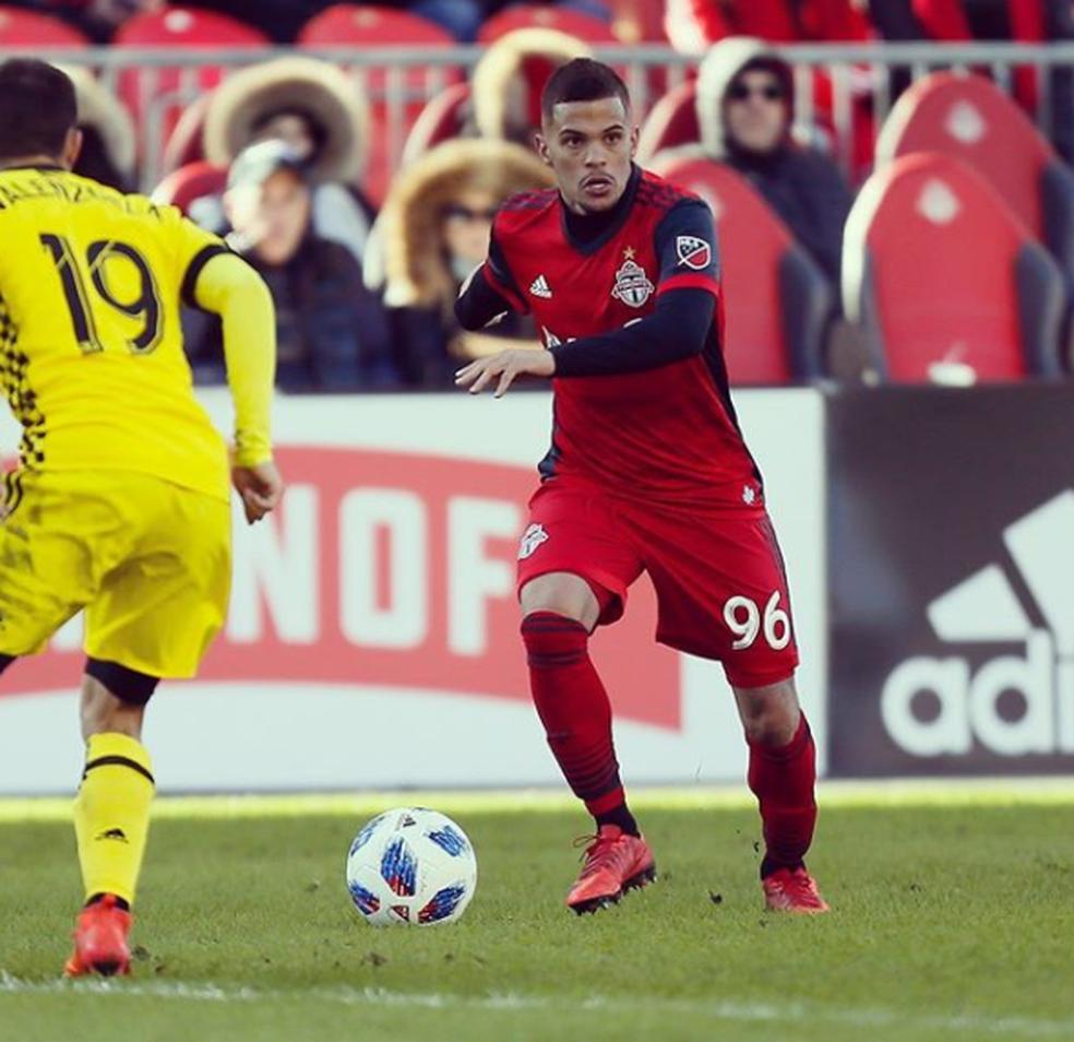 Auro está no Toronto FC, do Canadá — Foto: Reprodução/Instagram