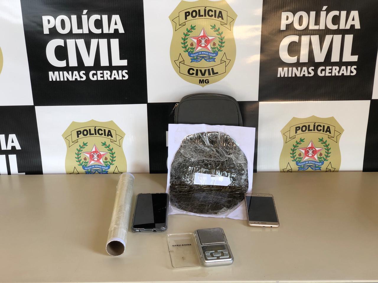 Jovem é preso no Centro de Divinópolis com 250 gramas de haxixe