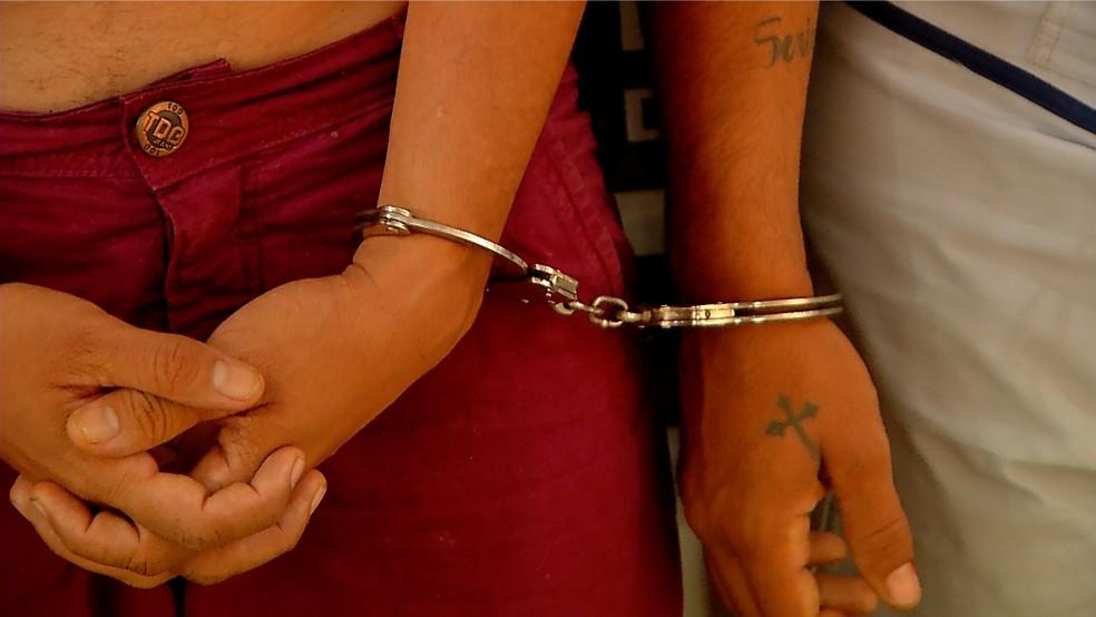 Pelo menos cinco suspeitos foram presos após assalto a Uber (Foto: Reprodução/Inter TV Cabugi)