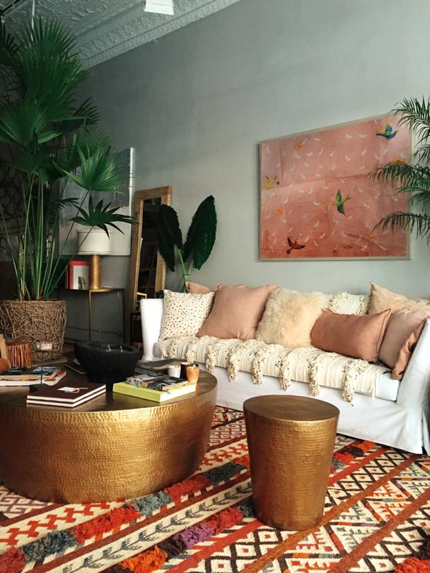 Sala de estar boho e tropical (Foto: divulgação)