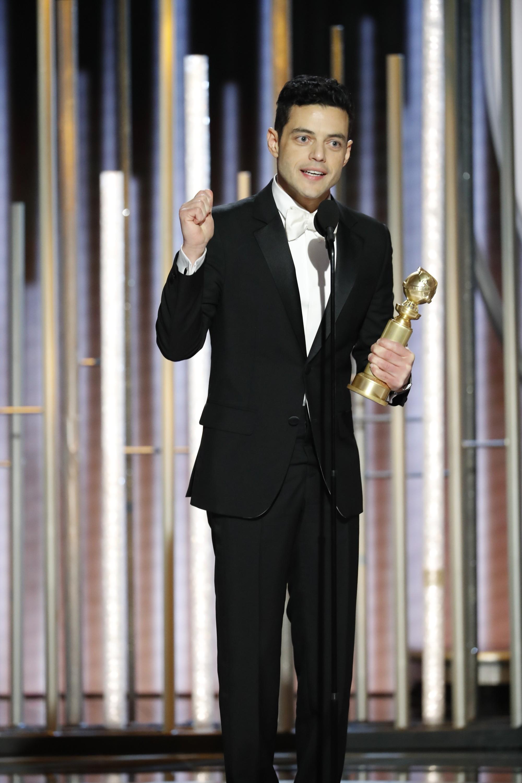 Rami Malek, vencedor do Globo de Ouro de Melhor Ator por Bohemian Rapsody, Melhor Filme Dramático da Noite (Foto: getty)