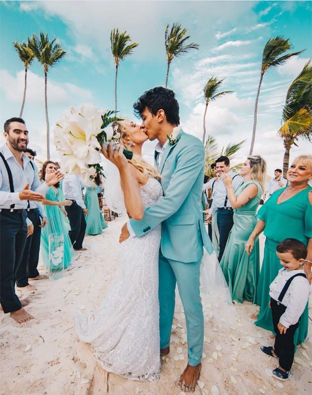 Casamento de Tata Estaniecki e Júlio Cocielo (Foto: Reprodução/ Instagram)