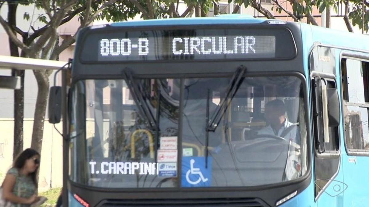 Estudante é agredida durante arrastão em ônibus Transcol e assaltante é preso, no ES