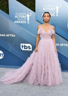 Logan Browning, de Jason Wu