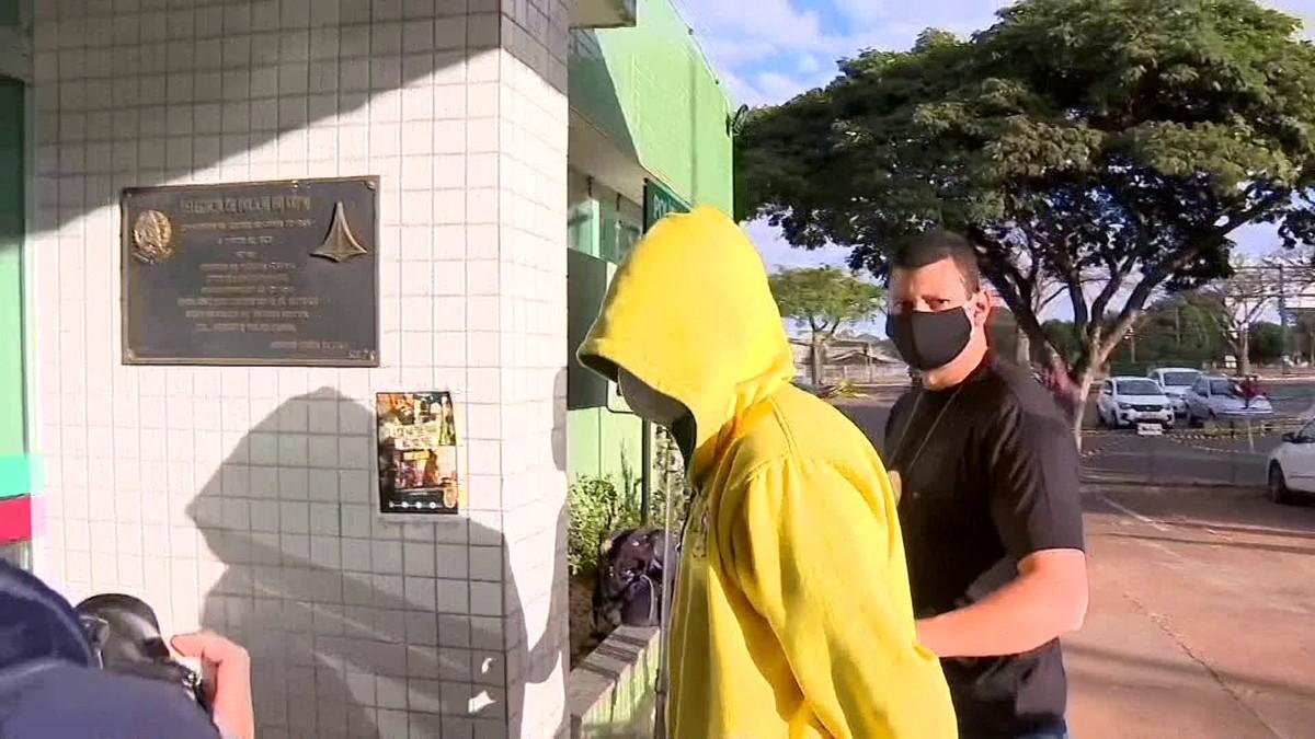 Estudante picado por naja exercia medicina veterinária ilegalmente, diz MP do DF – G1