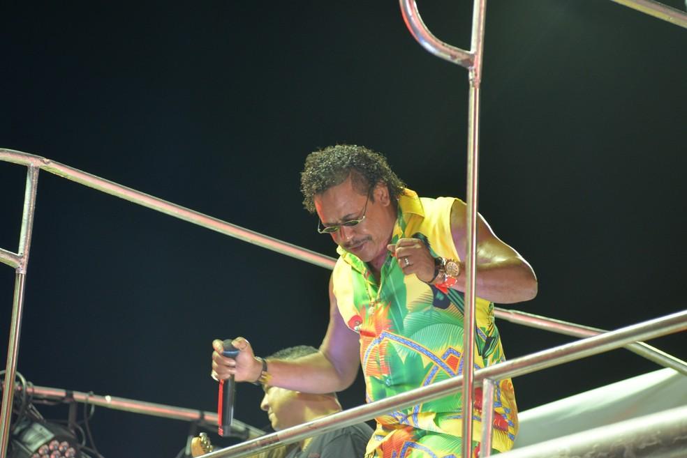 É o Tchan! no segundo dia de carnaval em Salvador. — Foto: Joilson César / Ag. Haack