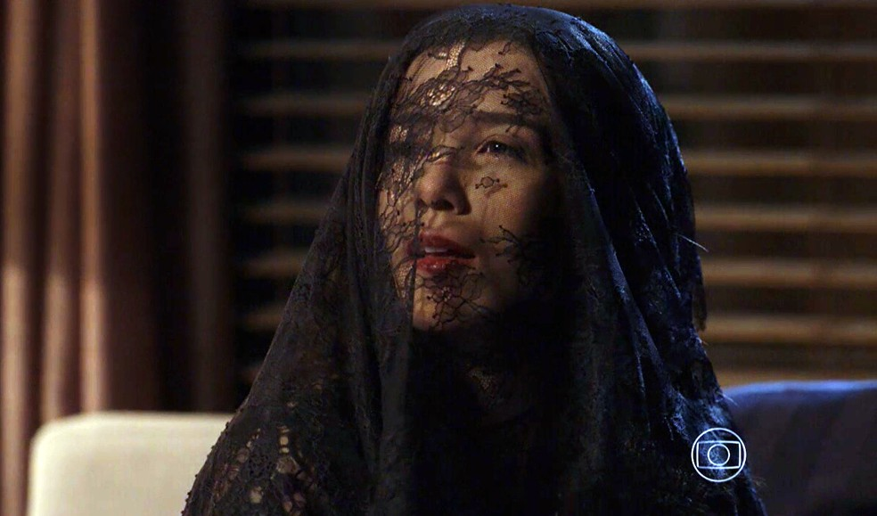 Cora (Marjorie Estiano) aparece rejuvenescida para encontro com José Alfredo (Alexandre Nero) - 'Império' — Foto: Globo