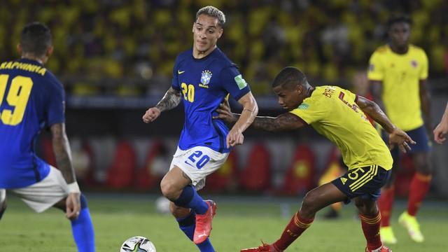 Antony, em ação durante Colômbia 0 x 0 Brasil