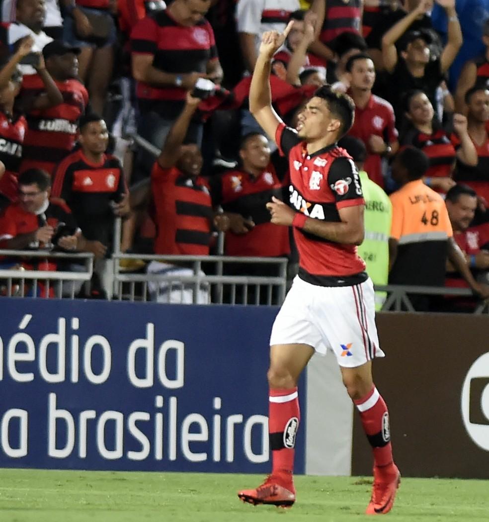 O meia-atacante Lucas Paquetá foi eleito a Joia 2016 do Flamengo (Foto: André Durão / GloboEsporte.comn)