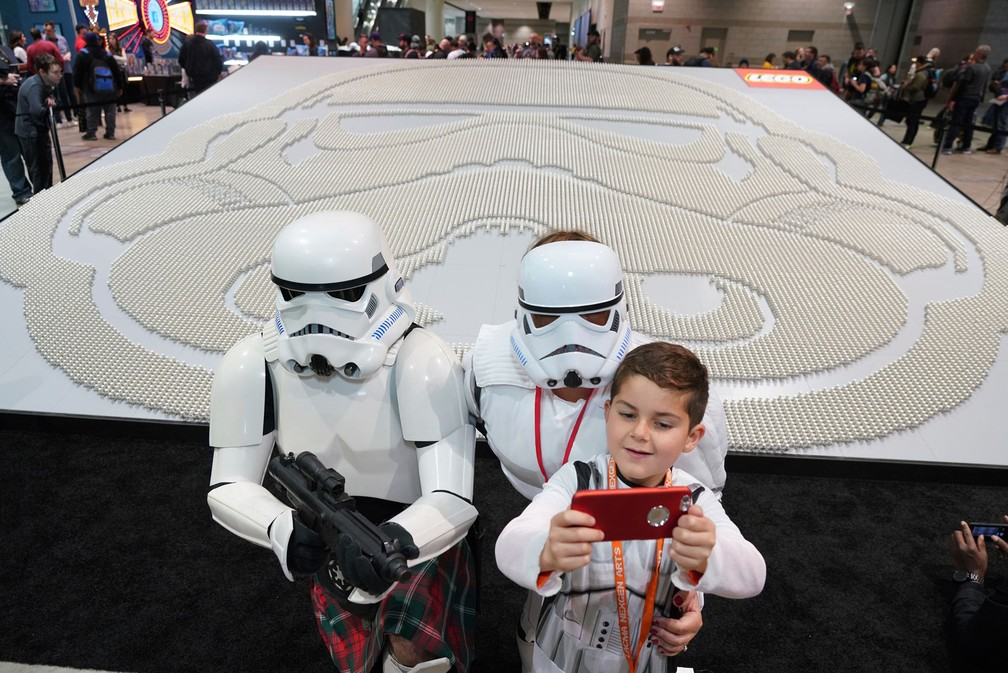 Evento reúne 36.440 bonecos Star Wars em Chicago — Foto: Alex Garcia/AP Images for The LEGO Group