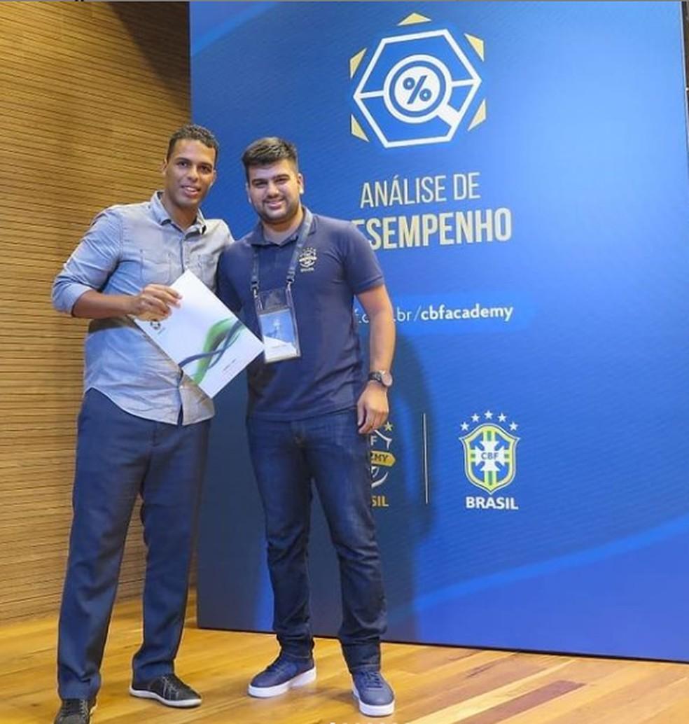 Gabriel Cabo, do Vasco, foi analista de desempenho antes de ser tornar auxiliar técnico — Foto: Reprodução/Instagram