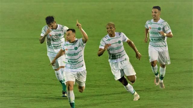 Renato Cajá comemora gol do Juventude diante do Guarani