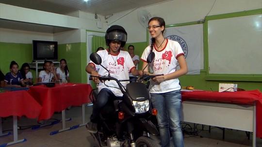 Estudantes baianos inventam capacete salva-vidas