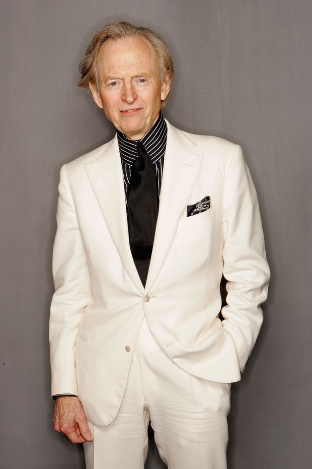 NEW YORK - APRIL 23:  Juror Tom Wolfe poses for a portrait during the Tribeca Film Festival at the Tribeca Grand Hotel April 23, 2005 in New York City.  (Photo by Frank Micelotta/Getty Images) (Foto: Getty Images)