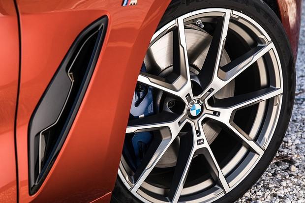 BMW Série 8 Coupe M850i (Foto: Divulgação)