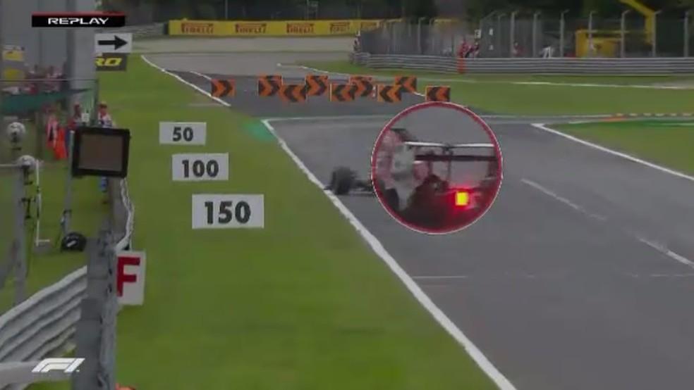 DRS de Ericsson estava aberto quando carro guinou para a esquerda (Foto: Reprodução)
