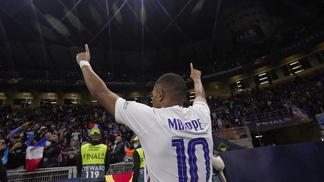 Mbappé faz o gol do título da França sobre a Espanha, na Liga das Nações