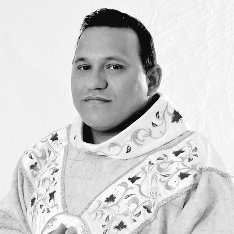 padre Francisco Erivaldo Barboza, conhecido como padre Naldo, morreu nesta terça-feira (1º) em decorrência da Covid-19 — Foto: Arquidiocese de Natal