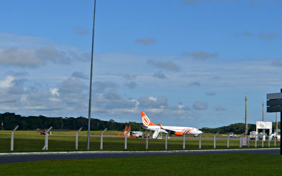Avião teve que retornar para o aeroporto de Cruzeiro do Sul — Foto: Anny Barbosa/G1/Arquivo