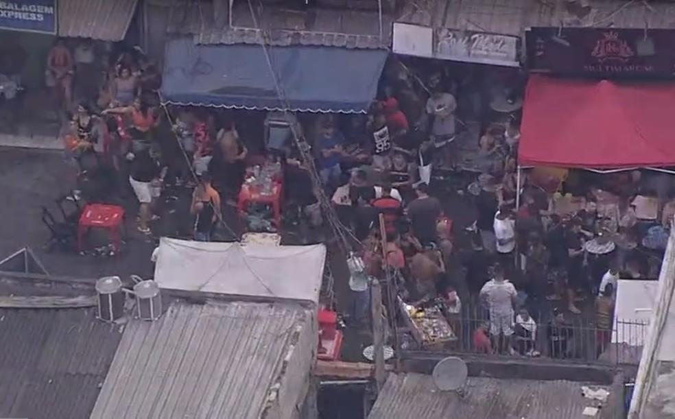 Aglomeração no Parque União, no Complexo da Maré — Foto: Reprodução / TV Globo