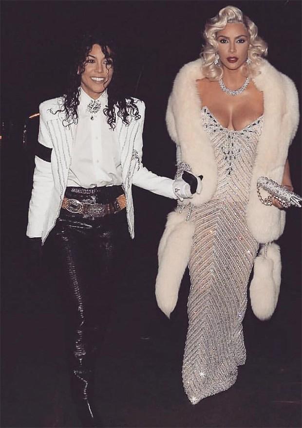 Kourtney Kardashian como Michael Jackson (e Kim Kardashian como Marilyn Monroe!) (Foto: Instagram / Kim Kardashian)